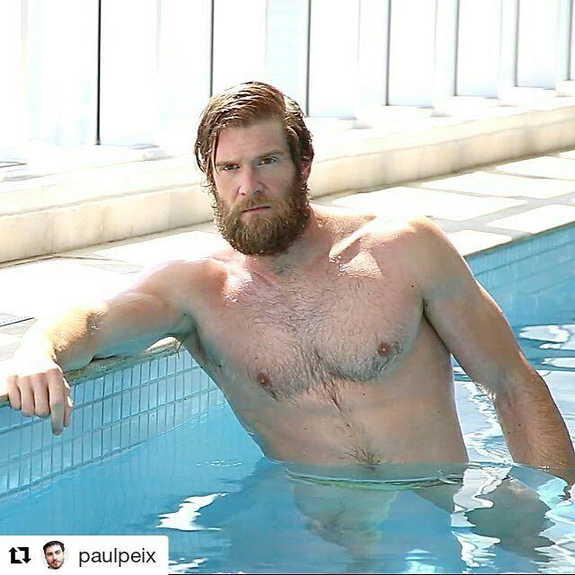 #Repost @paulpeix ・・・  #colbykeller #male #malemodel #sexy #sunny #pool #swimming #man #ginger #gingerman