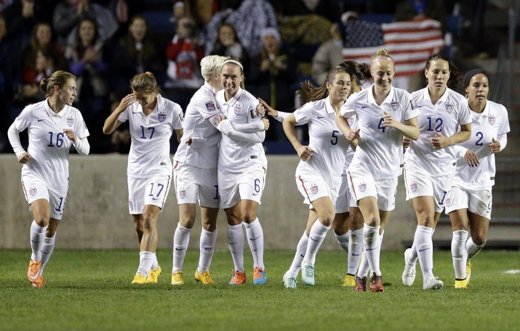 The U.S. women's team vs. Guatemala, Oct. 17, 2014. (Nam Y. Huh)