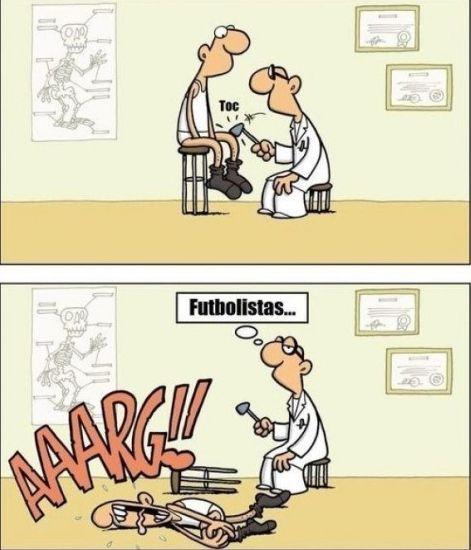 Los futbolistas en el médico