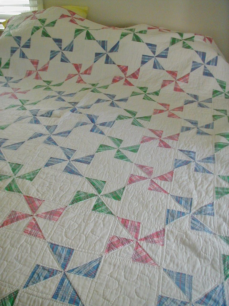 Vintage Pinwheel Windmill Design Hand Quilted Quilt Plaids Candy ... : hand quilted quilts - Adamdwight.com