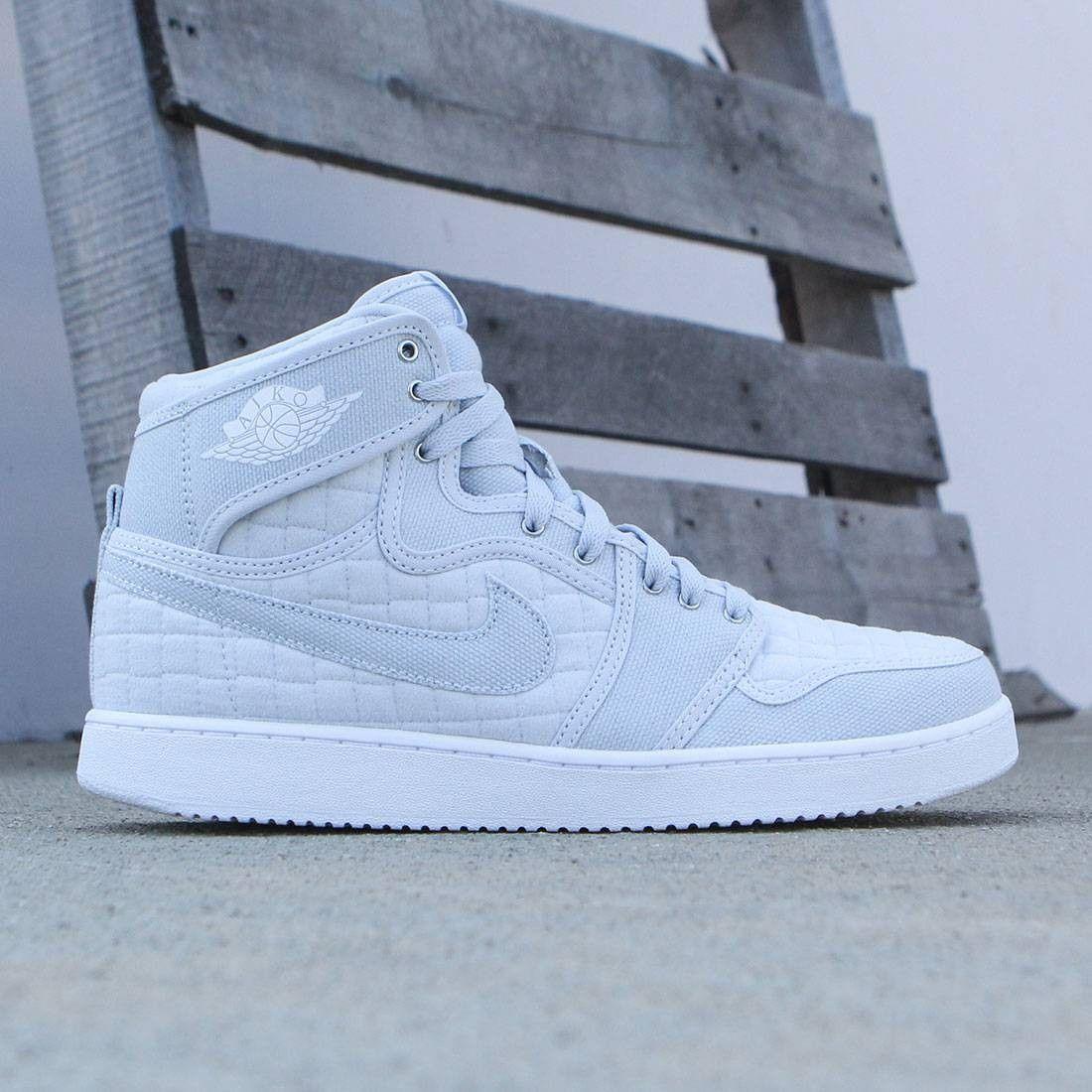8d257f1df3d Jordan Men Air Jordan 1 KO High OG Shoe (pure platinum / white-metallic  silver)