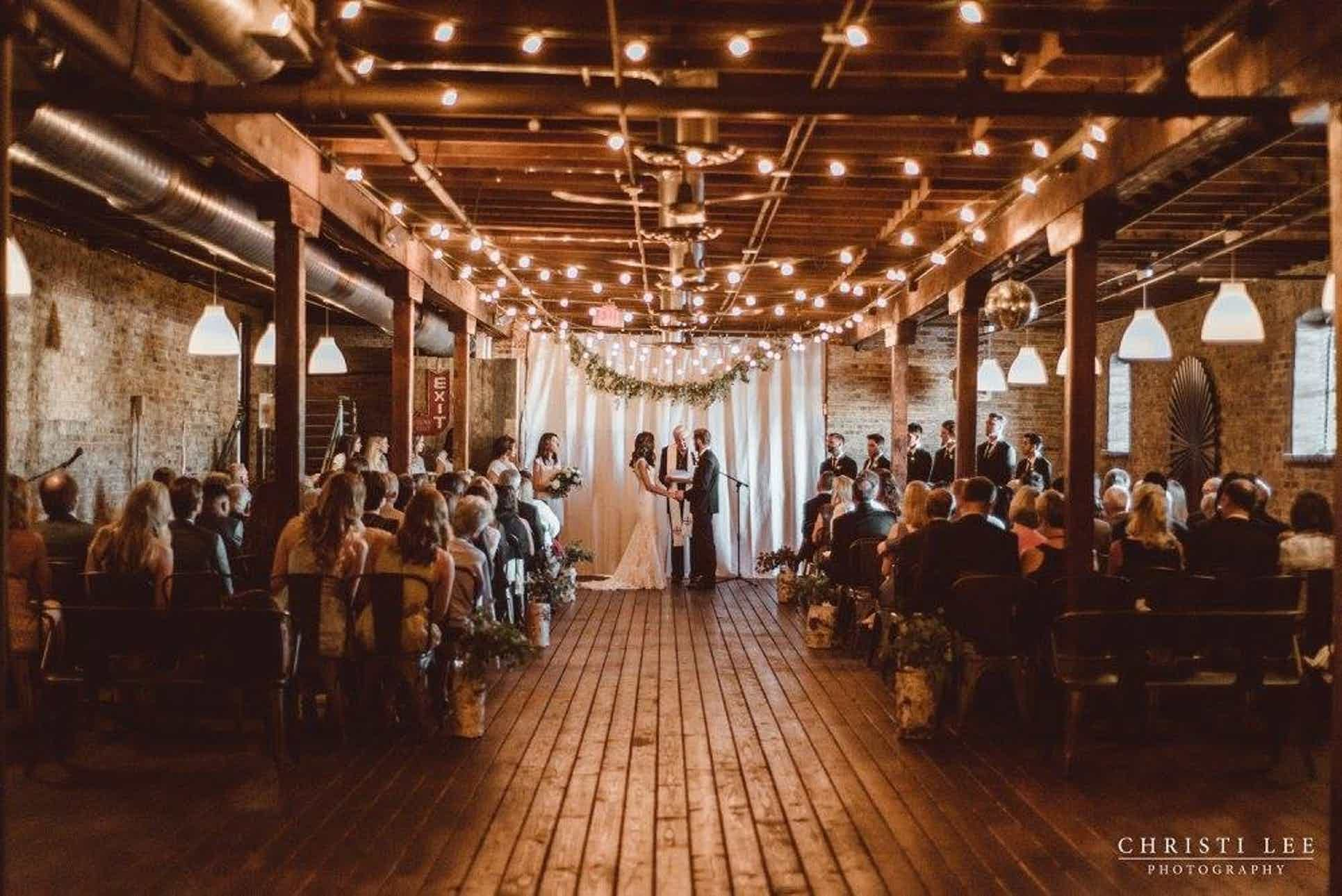 The Haight North Chicago Suburbs Wedding Venue Elgin Illinois 60120 Chicago Suburbs Wedding Cheap Wedding Venues Wedding Venues