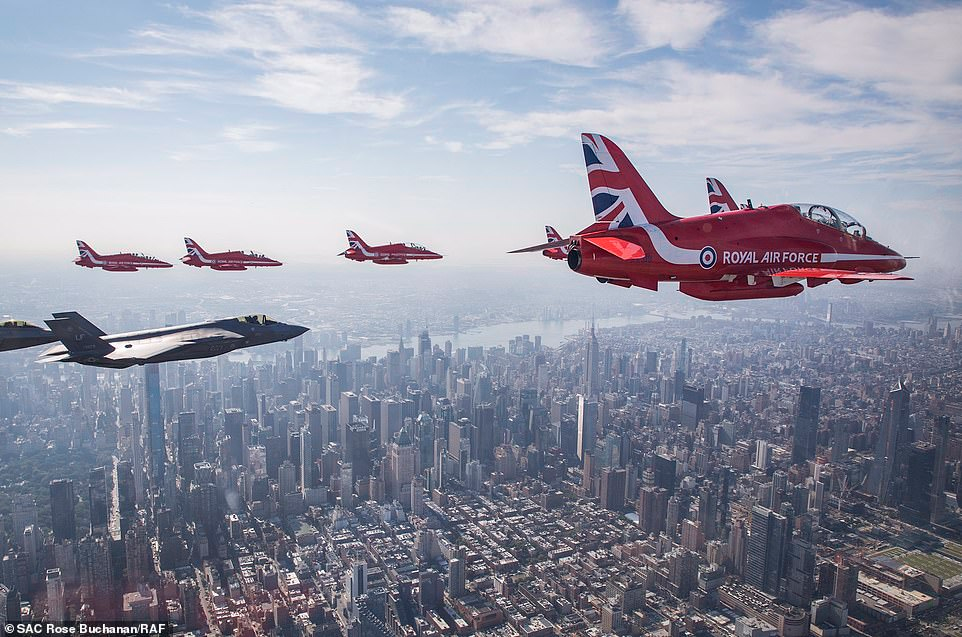 Air Force Thunderbirds join Red Arrows for aerial display
