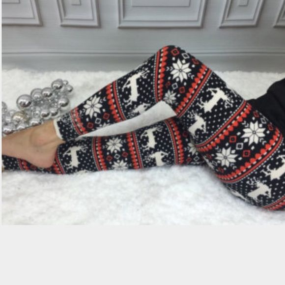 ✴️Snowflake Print Fur Lined Fleece Legging✴️ 85% Polyester 15% Spandex.❗️️️price is firm❗️ Pants Leggings