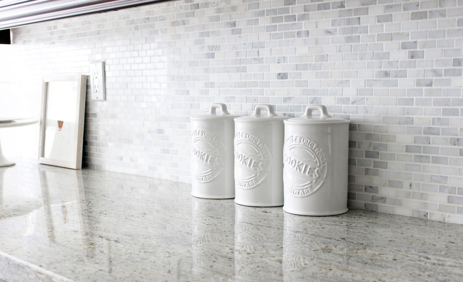 White ceramic cookie jars, kitchen storage, kitchen canisters | Mi ...