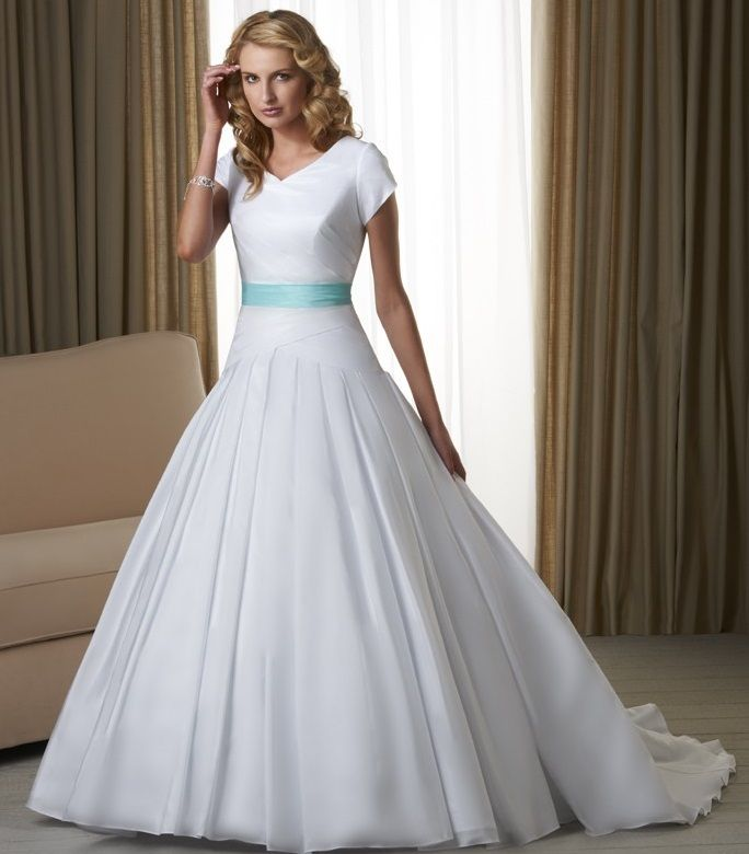 Cheap White Wedding Gowns With Blue Ribbon For 2017 Fashions ...