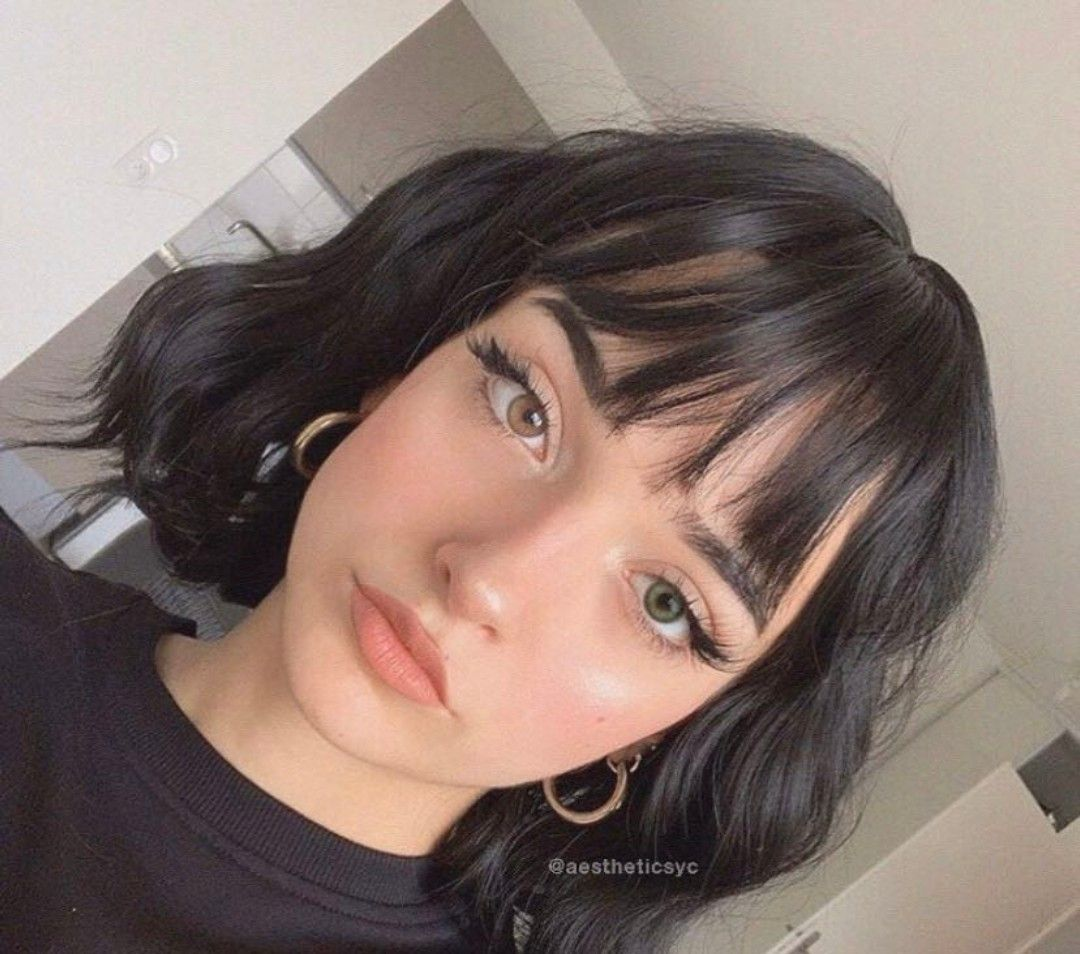 Photo of Short black hair with fringe // @yunii_x (insta)