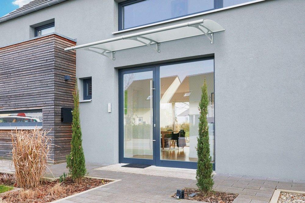 Wohlbehüteter Eingang +++ Mit einem Vordach Wind und