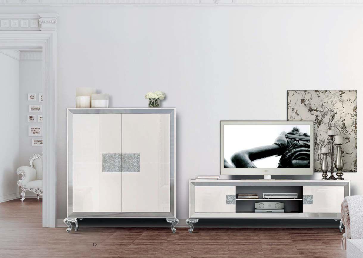 Mueble lacados en alto brillo con detalles en plata