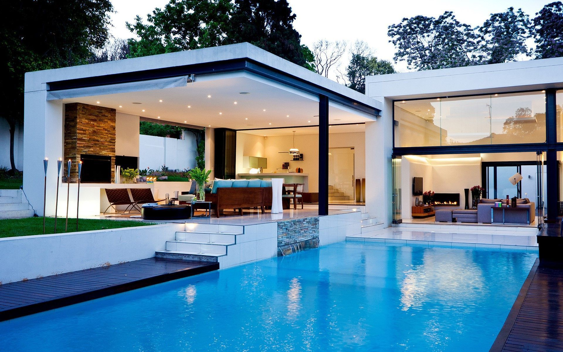 From All Natural Pool To Roof Infinity Pools The Current Swimming Pool Design As Well As Style Pool Swim Pool House Designs Modern Patio Design Pool Houses