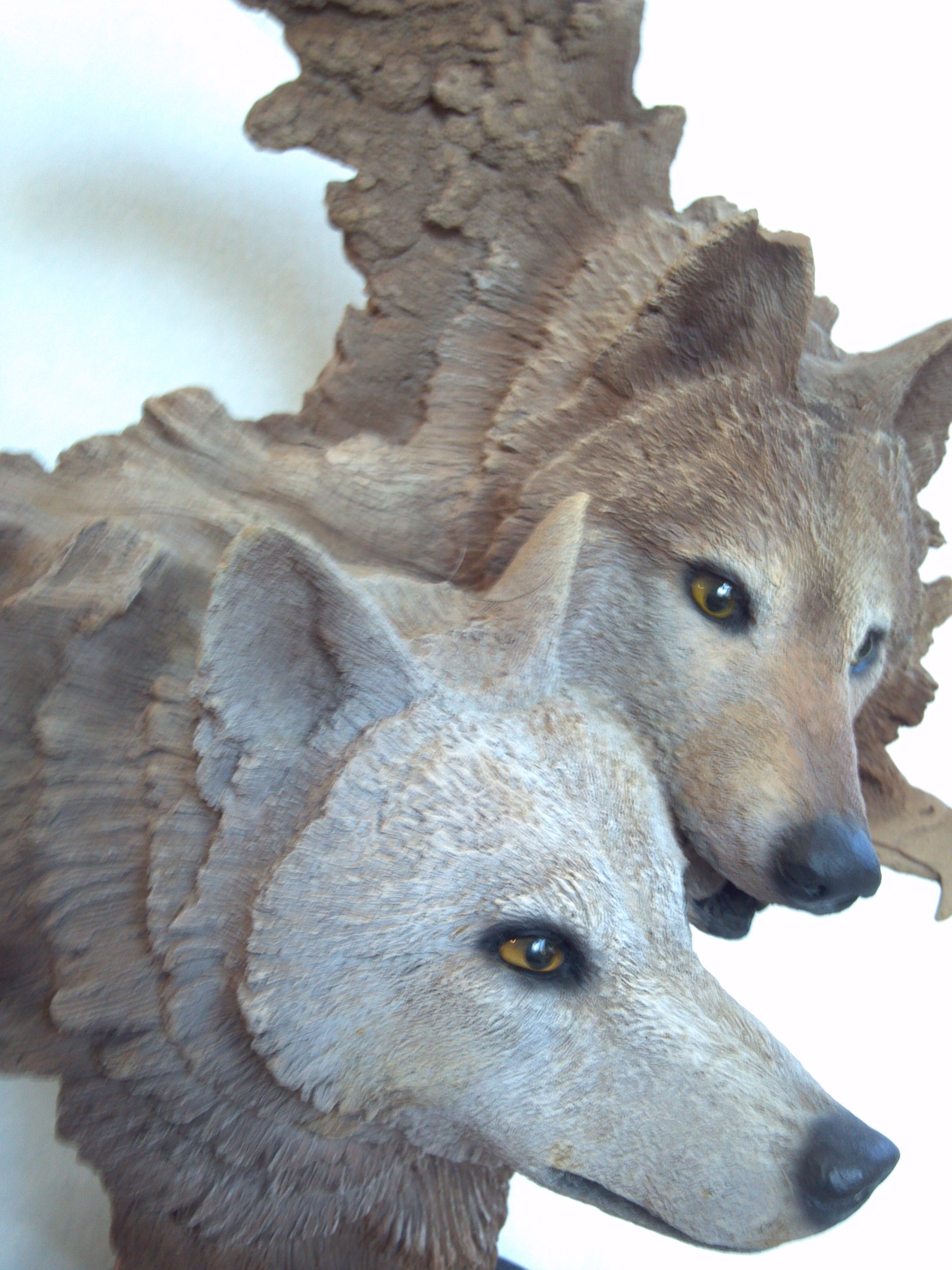 rick cain dual wolf sculpture the artist demonstrates great the artist demonstrates great attention to detail