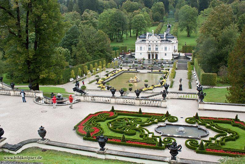 Schloss Linderhof Is Located In Southwest Bavaria Near Ettal Germany Ammergauer Alpen Alpen Orte Zum Besuchen