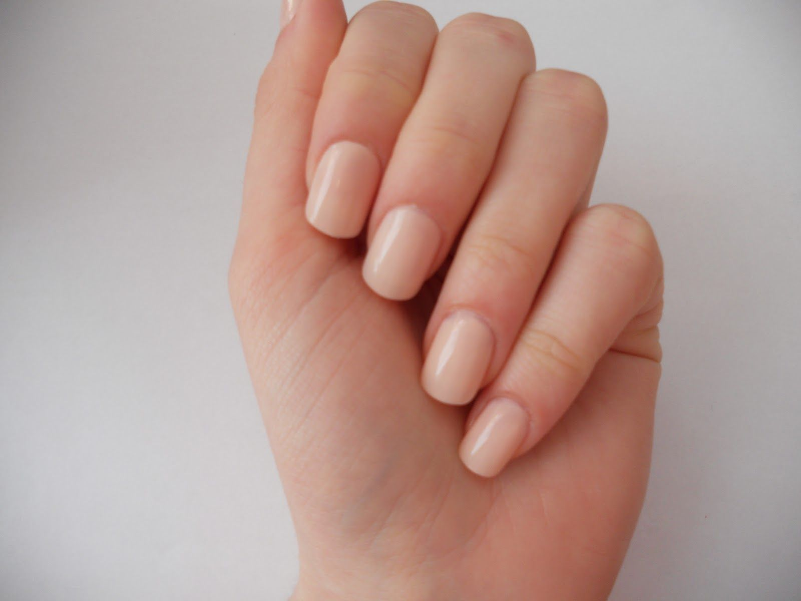 thin oval acrylic nails - Google Search | Prom hair & make up ideas ...