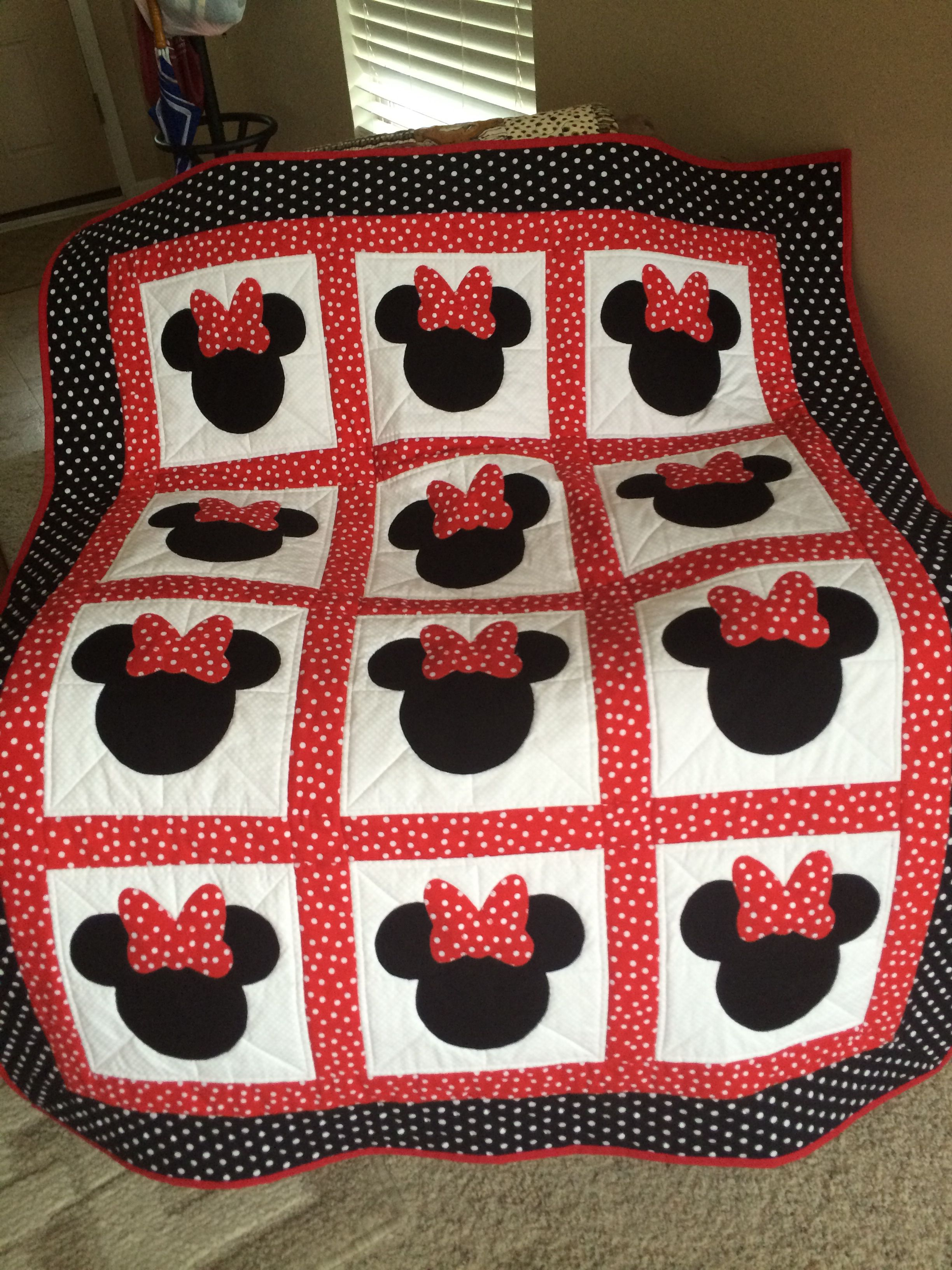 Minnie Mouse quilt Fell in love with the concept after seeing a similar one on
