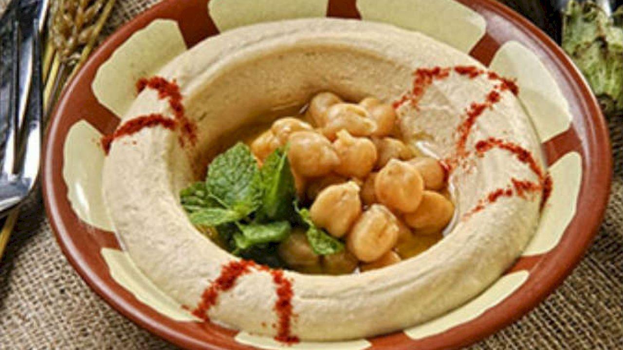 طريقة عمل متبل الحمص Food Mexican Food Recipes African Food