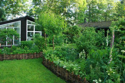 Haveinspiration - Krydderurte- og blomsterbede