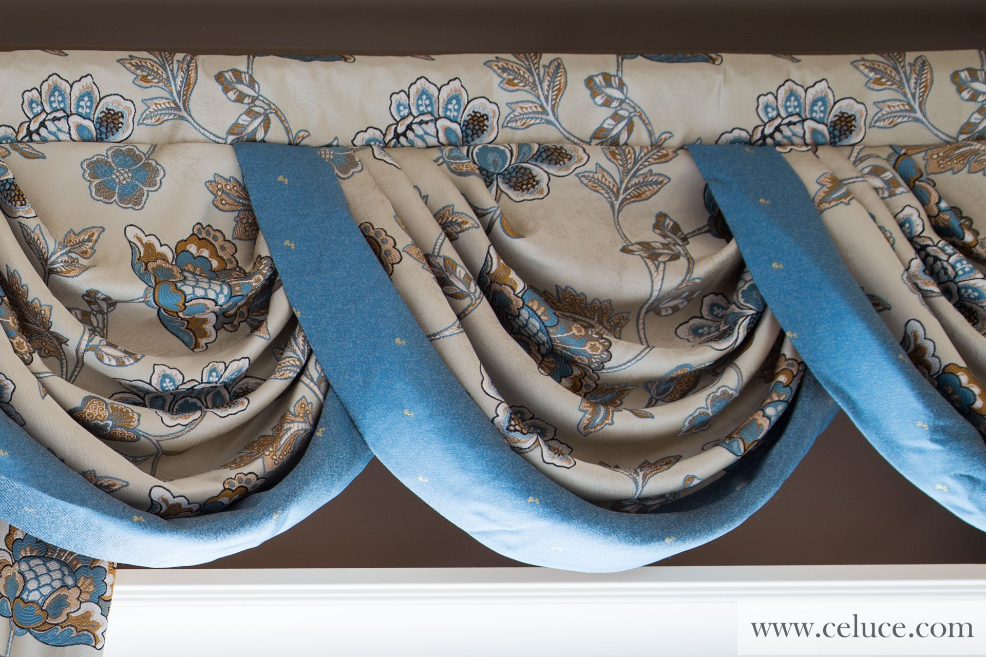 Picture of Persian Garden - Half Overlapping Style Swag Valance ...
