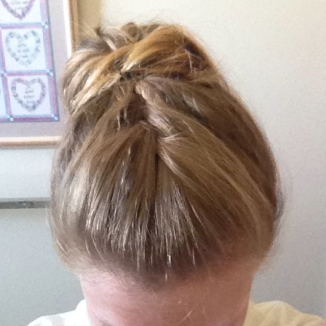 how to put my hair in a messy bun