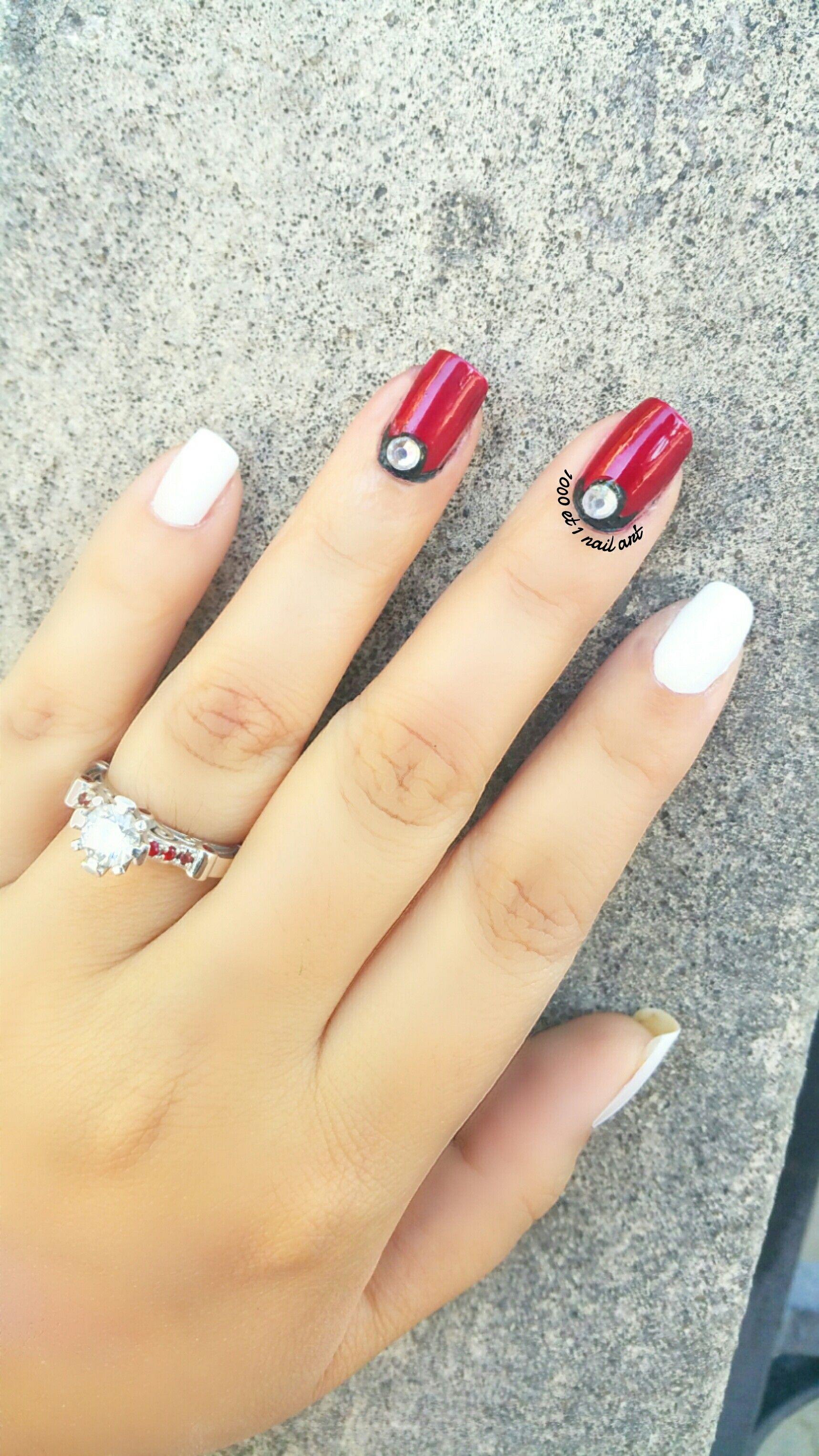 une nouvelle manucure facile à faire! Des nail art à porter de main de  toutes les débutantes. Ils sont tous fait sur des ongles courts et naturels.