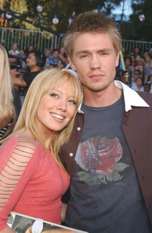 Hilary And Chad With Images The Duff Hilary Duff A