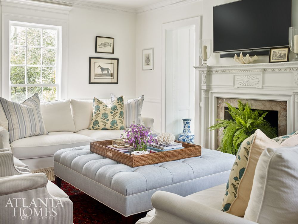 10 Favorite Details For Stylish Living Rooms Stylish Living Room Classic Home Decor Atlanta Homes