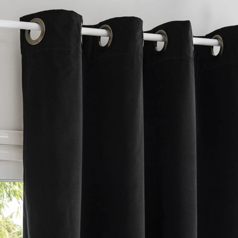 rideaux oeillets velours noir