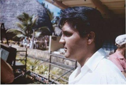"""Elvis Presley - on """"Paradise, Hawaiian Style"""" set"""