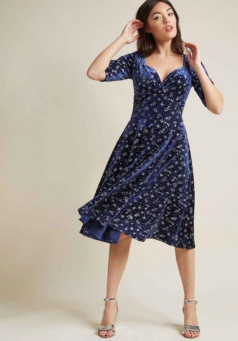 cd70f39ad447 Collectif Vixen Match Midi Dress in Navy Velvet Stars