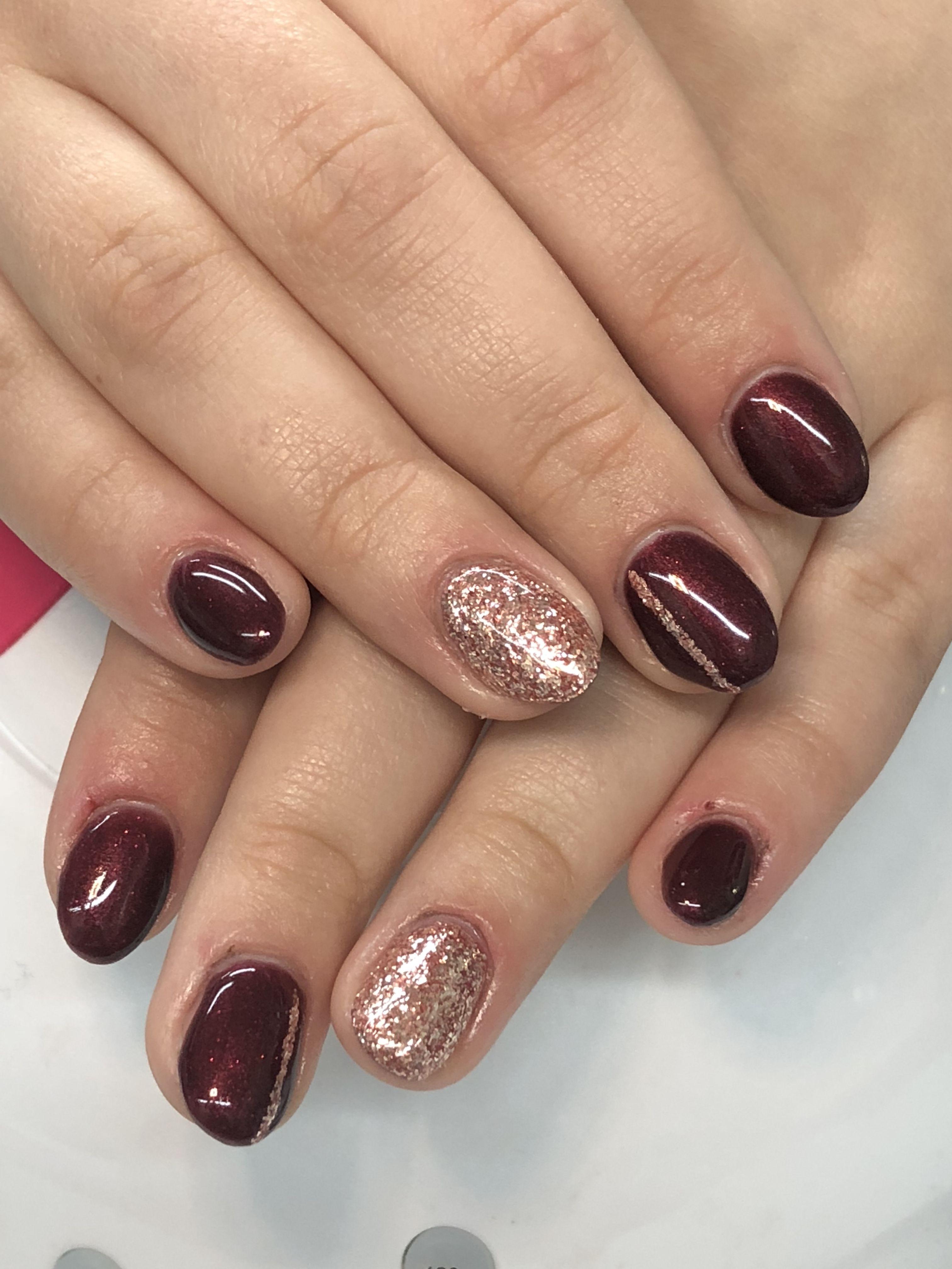 Shimmer Burgundy Rose Gold Leafing Gel Nails Light Elegance Pour Me A Kiss Akzentz Gold Leaf Glitter Gold Gel Nails Gel Nail Light Opi Gel Nails