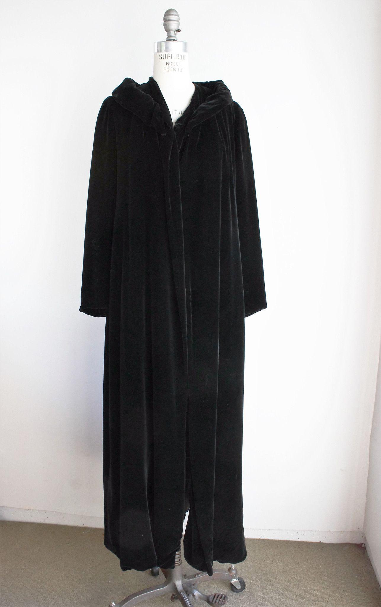 d706d13be44 Vintage 1940s 1950s Black Velvet Opera Coat, Bergdorf Goodman New York