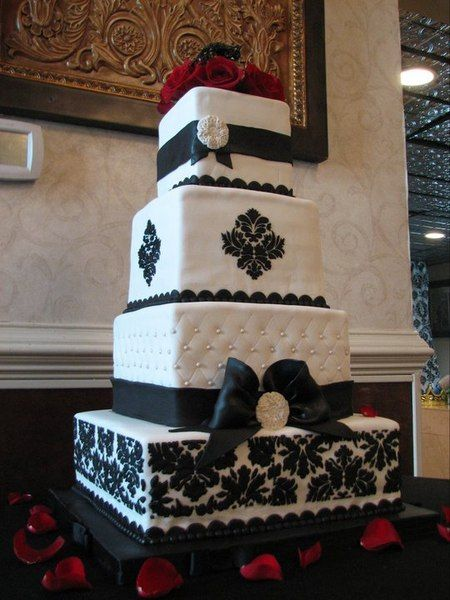 Black And White Damask Wedding I Would SO Love To Have A Cake Like This