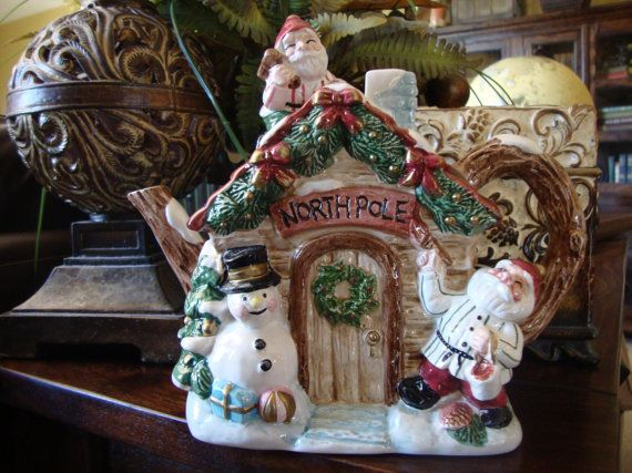 Fitz and Floyd Hand Painted Christmas Teapot Northpole Fitz & Floyd