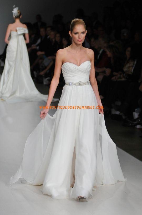 Robe de mariée originale en organza orné de strass