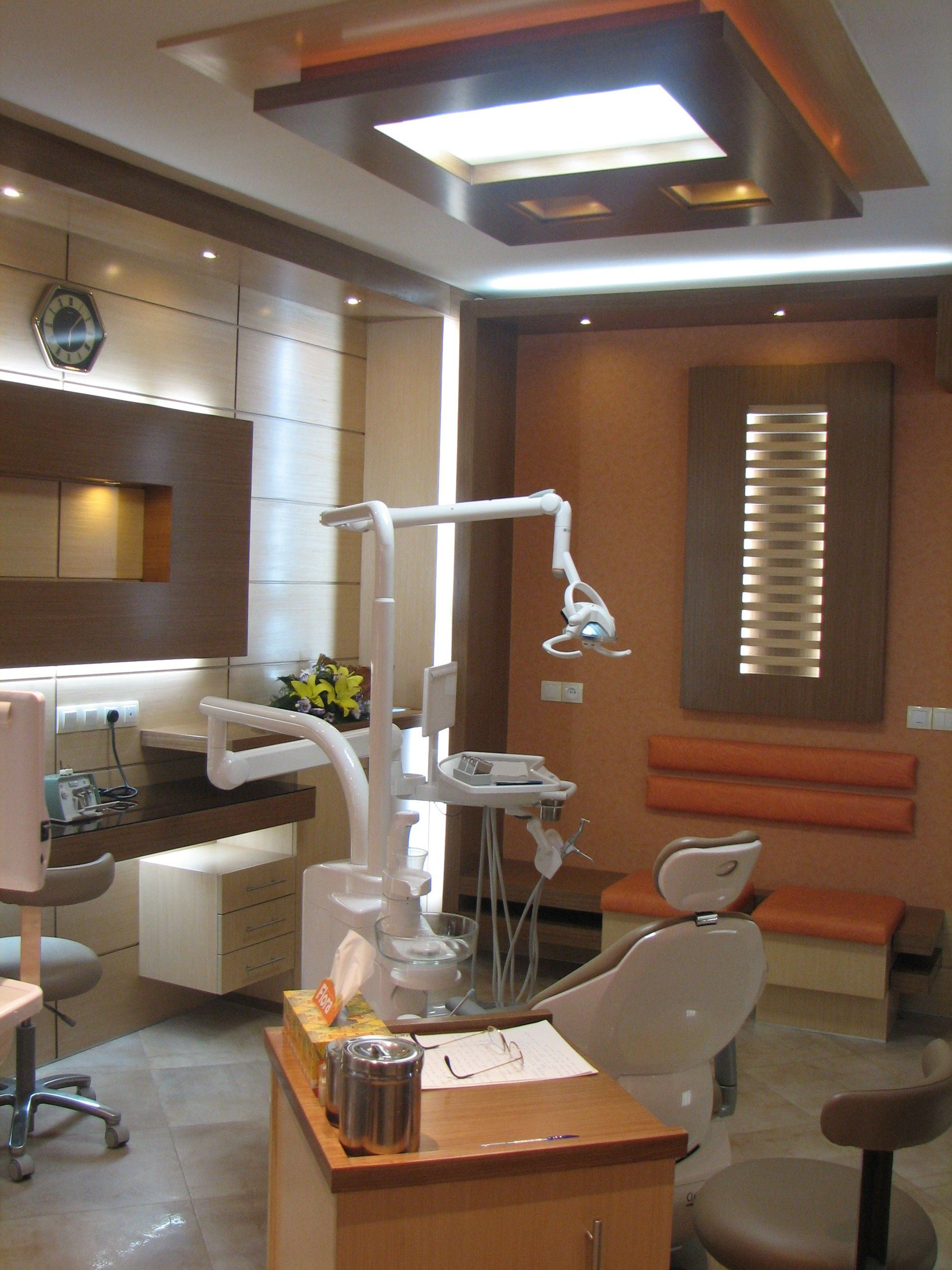 Interior design dental clinic mehrzad rafeei for Dental office interior design