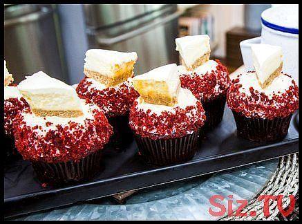 The Best Red Velvet Cupcakes with Mini-NY Cheesecakes The Best Red Velvet Cupcakes with Mini-NY Cheesecakes THE BEST RED VELVET CUPCAKES WITH MINI-NY CHEESECAKES    Dan Langan is making the ultimate red velvet cupcakes with homemade frosting and mini-NY cheesecakes  The Best Red Velvet Cupcakes with Mini-NY Cheesecakes THE BEST RED VELVET CUPCAKES WITH MINI-NY CHEESECAKES    Dan Langan is making the ultimate  hellip   #cheesecakes #cupcakes #mininy #velvet #marshmallowflufffrosting The Best Red #redvelvetcheesecake