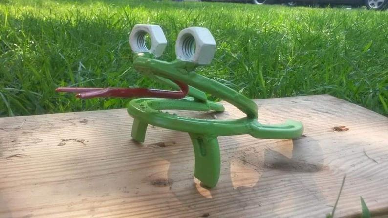 Horseshoe Garden Frog Outdoor Decor