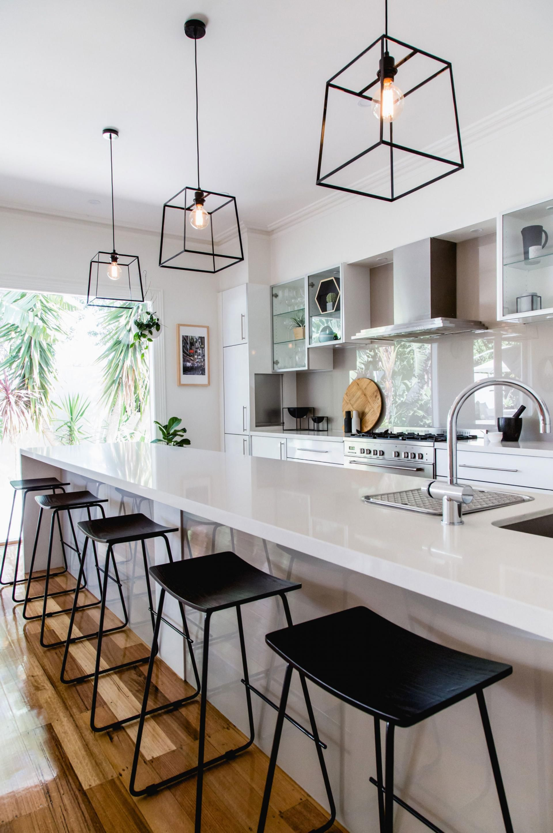 Kitchens that get pendant lights right. Photography by
