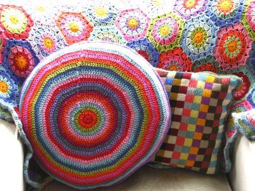 circular cushion   crochet for the home   Pinterest   Round pillow ...