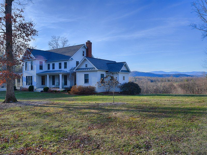 62 Acres And A Large Modern Farm House On This Farm In Madison Va Farm Potential Madisonvafarmhouse Modern Farmhouse House Styles Real Estate