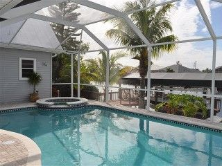 Beautiful 5/3 Villa Gulf Access, incl. Boat, Spa, htd Pool, Bikes