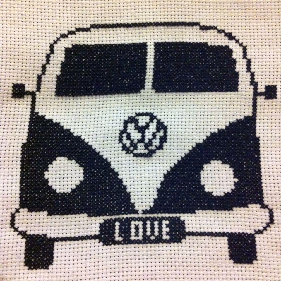 Coche hippie monocromatico love punto de cruz cross stitch   AUTOJA ...