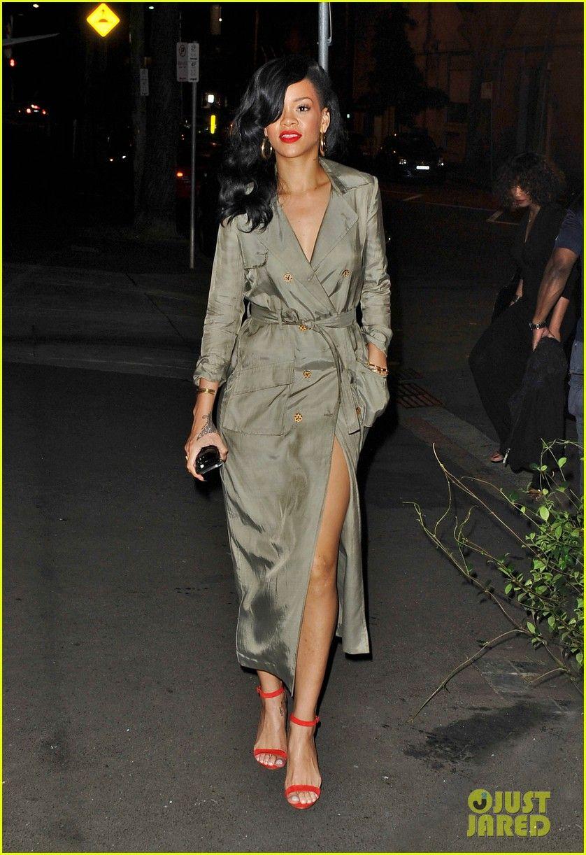 Rihanna  Trench Coat Sexy  b04c06c47