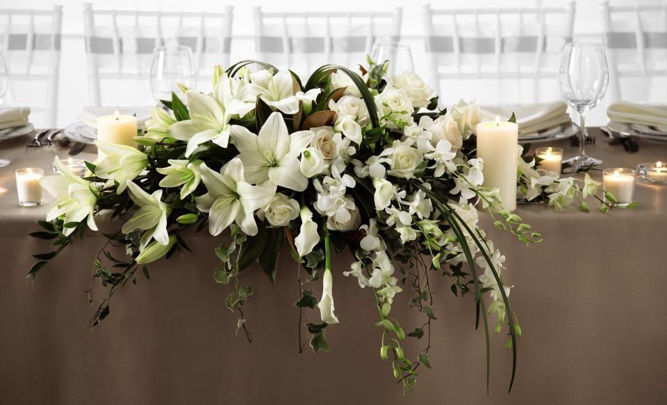 Head table flower arrangements centerpiece