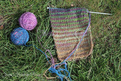 such a fun easy scarf. two variegated yarns alternating ...