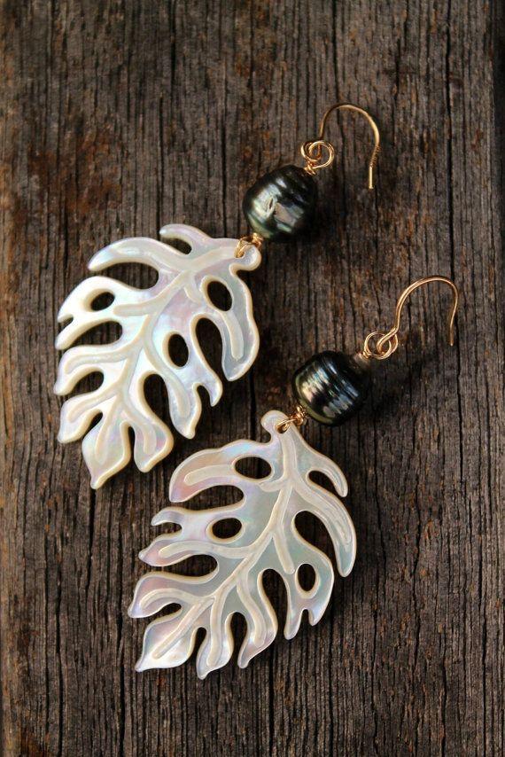 Monstera Tahitian Pearl Earrings