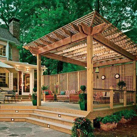 Hölzerne Pergola, Terrassenpergola, Innehof Bodenbeläge, Decking, Kleine  Decks, Terassenentwurf, Außengestaltung, Geschützte Decks, Kleinen  Hinterhöfen
