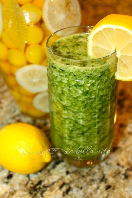 Pineapple, Spinach & Ginger Green De-Tox Smoothie | La Bella Vita ...