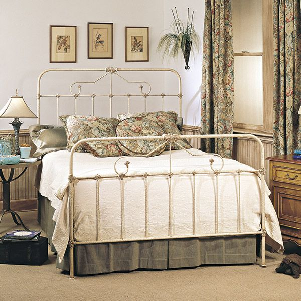 Now I M Obsessed With Iron Beds Iron Bed Wrought Iron Beds