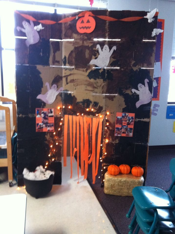 Preschool haunted house! The kids painted the boxes and made a 'witches brew'. The kids cut the streamers and taped them in the doorway. I also printed pictures of the kids building the haunted house and taped them to the front of the house so parents could see how hard they worked!