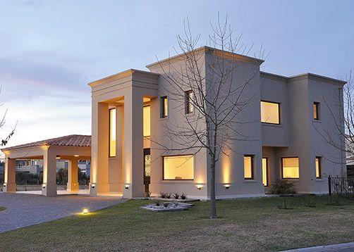 Arquitecto daniel tarrio y asociados casa 8 casas for Fachadas de casas estilo clasico